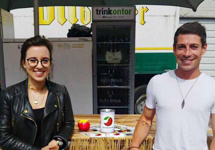 Obstkäppchen auf dem Street Food and Music Festival von Jora & Friends mit Carina Raddatz, Christin Kossack und Johannes Radschinski